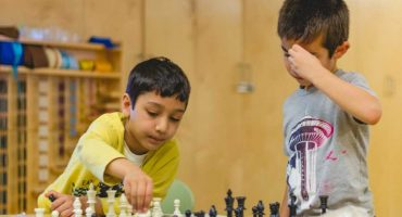 chess-game-living-montessori